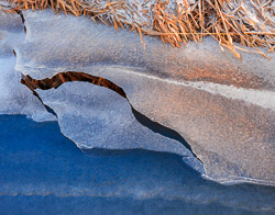 kw-20130217-ice-structures-on-creek-in-the-winter-12185.jpg